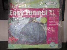 HAXNICKS NET EASY TUNNEL. PROTECTS AGAINST PESTS, STRONG SUN & WINDS, DISEASES ETC.