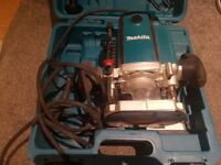 Excelleent condition makita half inch plunge router..