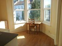 Turnpike Lane, N8 0BB-Amazing Large Studio Flat with Separate Single Bedroom-Great Value!!