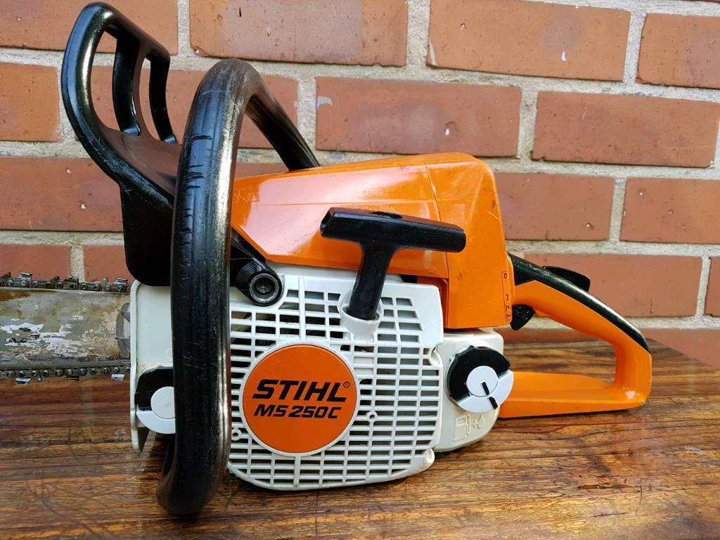 stihl ms250c be in excellent condition.with quick chain tensioning and decompression valve