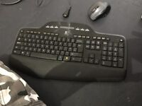 Wireless keyboard and mouse combo,