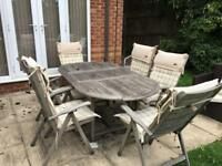 6 Garden chairs and table
