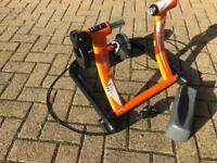 Elite Supercrono Turbo Trainer and Front Wheel Riser
