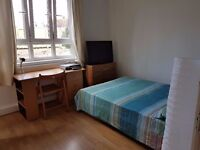 AMAZING DOUBLE ROOM WITH BALCONY AND TV NEXT TO HAMMERSMITH STATION TO MOVE ASAP!