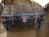 Leatherette opening chest seat