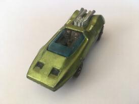 Hot Wheels Peeping Bomb toy car