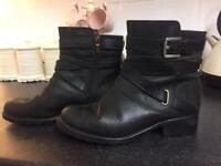 Clarks black leather ankle boots size 7e