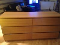 Chest of drawers with glass top, oak veneer. Very good condition. No pets. £50.00