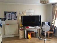 TWIN ROOM (440£)OR DOBLE ROOM (880£) IN CAMDEN TOWN