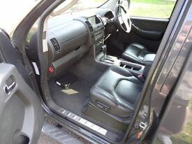Nissan Navara Dci Aventura 2.5 dCi Aventura Double Cab Pickup - Automatic Not Mitsubishi l200 warior