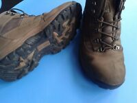 """Wyre Valley"" waterproof leather boots size9"