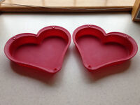 Heart-shaped silicone baking cake moulds
