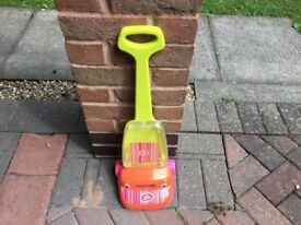 Child's chad valley toy hoover. £5 can deliver if local call 07812980350