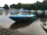 Speed boat / 70hp outboard / pioneer sound system
