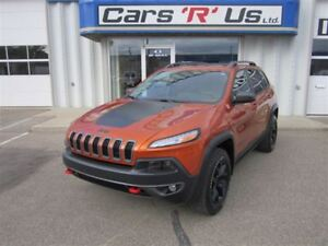 2015 Jeep Cherokee (NO PST) TRAILHAWK AWD V6 NAV ONLY 32K!