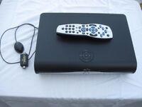 500 MB Sky HD box + accessories
