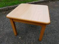 Wood coffee table in very good condition
