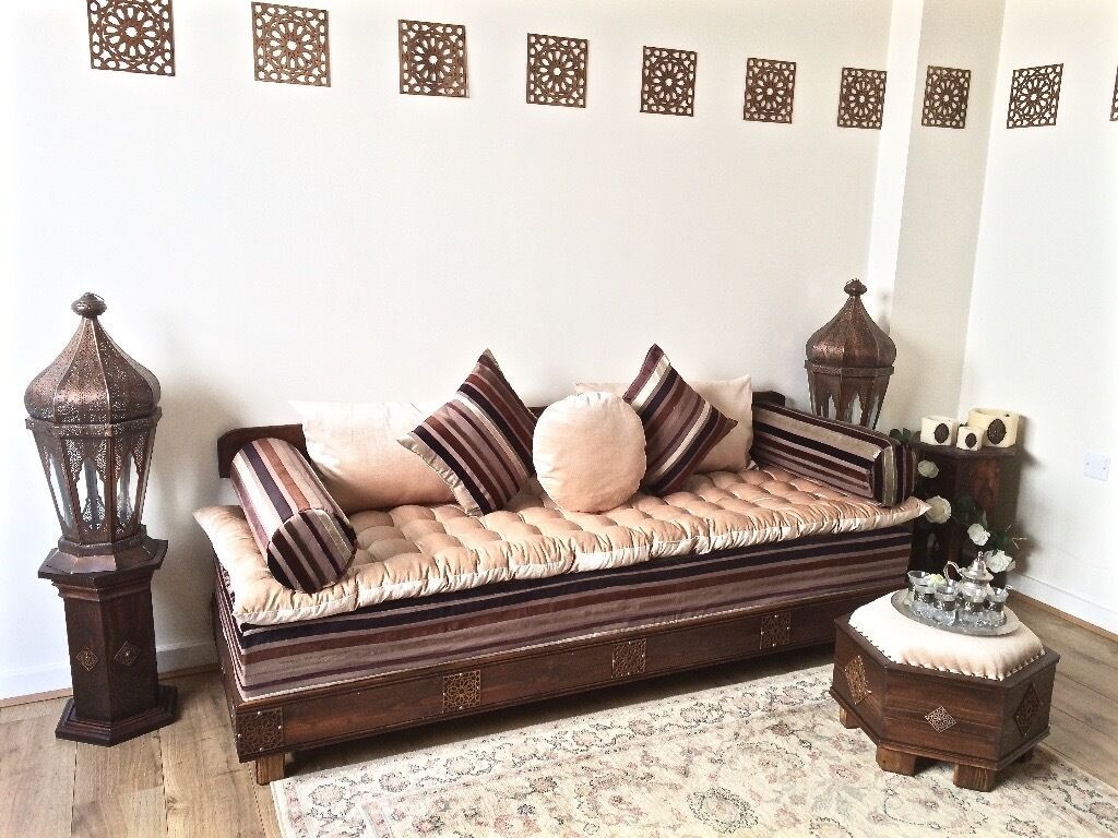 Luxurious moroccan sofa bench daybed 3 seater couch majlis moroccan decor arabian sofa Bench sofa