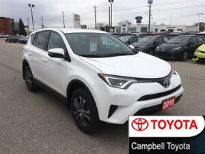 2016 Toyota RAV4 LE AWD---VERY LOW KM'S---SAVE ON THIS 2016