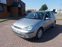 FORD FOCUS 1.6 GHIA (04) in SILVER, FULL SERVICE HISTORY