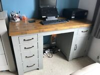 Solid Oak Desk - Excellent Condition