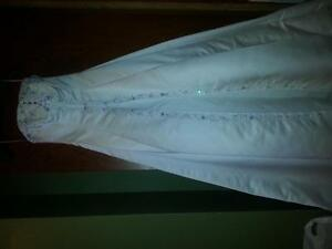 New wedding dress-never worn or altered Size 10