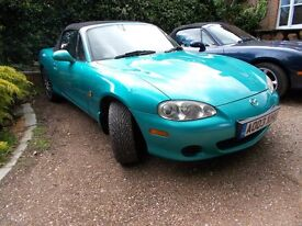 Mazda MX5 mx 5 mx-5 Mk2.5 1600. 2003(03). In 'Splash' Green. Beautiful colour. Lovely car throughout