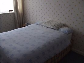 Double room in detached house in Frampton Cotterell. £450 PCM all bills in included.