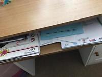 Small white desk/dressing table