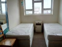 2 SPECIOUS TWIN/DOUBLE ROOMS FOR WORKING PROFESSIONALS AVAILABLE TO LET IN WANSTEAD