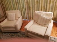 Suite for sale setee and two armchairs