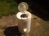 FRIDAIRE 2800 Spin dryer Excellent condition, hardly used.