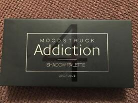 Younique Moodstuck Addiction shadow palette 4