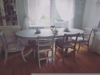 Beautiful Shabby Chic Dining table and chairs