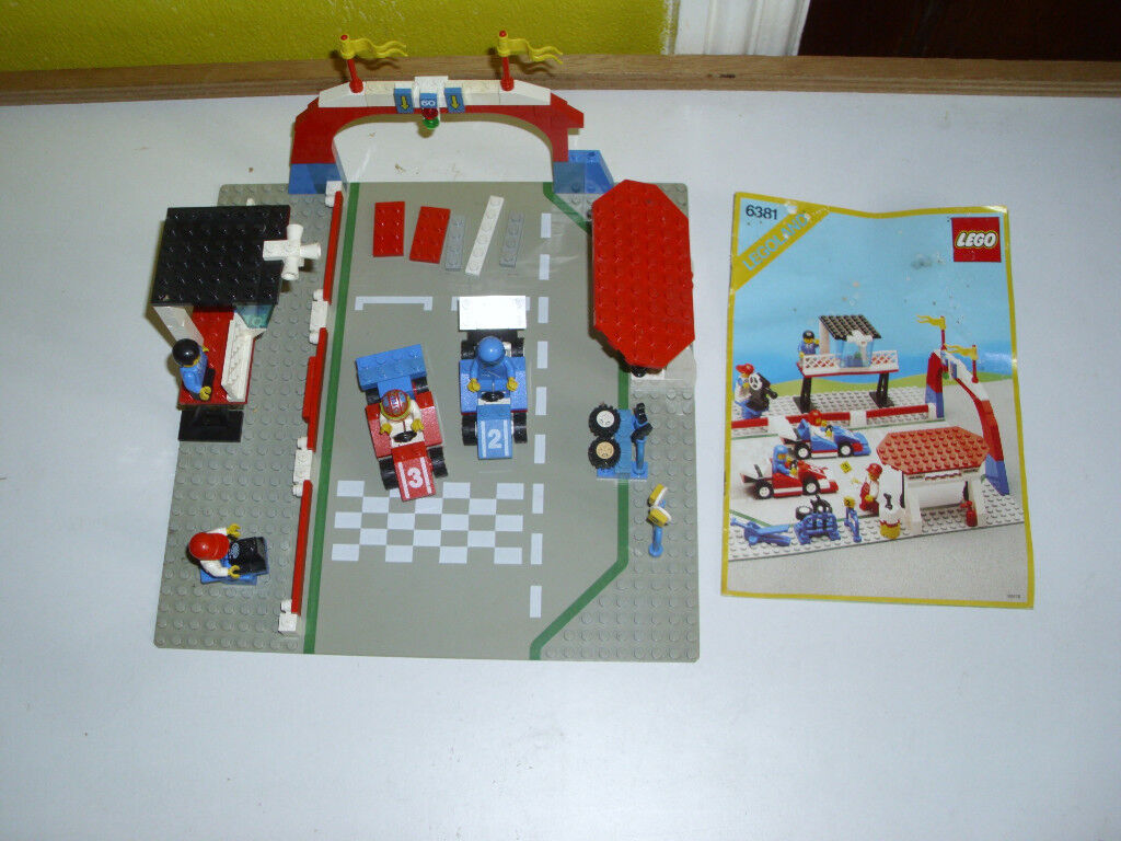 LEGO RACING CAR SET 6381. WITH INSTRUCTIONS