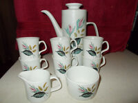 Beutifull Alfred Meakin coffee set for six ,commpising of six coffee cups, sugar bowl, milk jug.....
