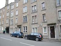 2 bedroom flat in Benvie Road, Dundee,
