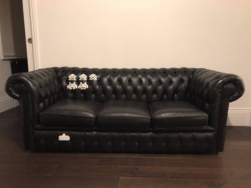 3 Seater Black Leather Chesterfield Sofa Refurbished