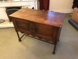 Oak cabinet / sideboard