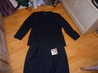 Ladies Dark blue skirt suit Size 16/18