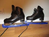 Ice Skates UK size 5 1/2 Boys Risport size 260 Black Leather Figure Skate