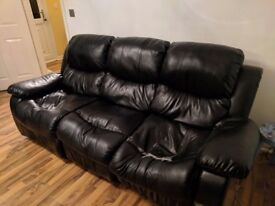 Black Sofa / Settee 3+2 seater recliner