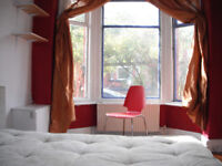 Double rooms in Epicentral fallowfield sharing 3 f 1m only £75 per week