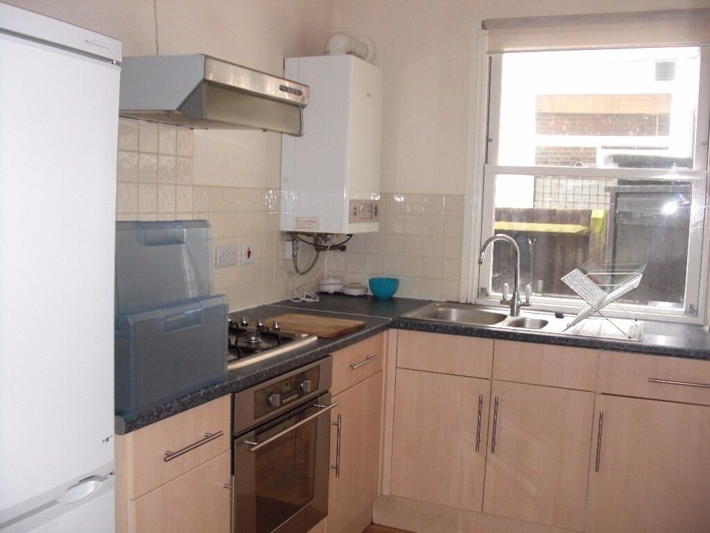 Fantastic first floor flat in the Heart of Streatham HIll- Quick move date needed!