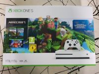 Xbox One S 1TB Console, Vertical Stand, Minecraft Bundle, Forza Horizon 3, Sea of Thieves, Brand New