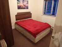 Double room for rent !! In new house build (CRANFORD,HEATHROW)