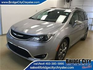 2017 Chrysler Pacifica Limited- Leather, 360 Camera, Adaptive Cr