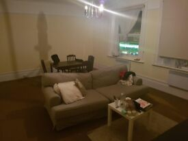 Spacious, affordable flat share in Epsom High Street