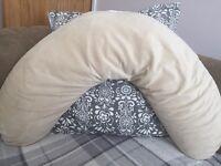 Lovely Clair de Lune Feeding pillow - as new condition