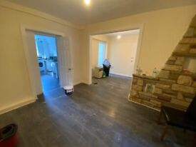 Newly Refurbished 4 Bedroom House - 2 Living rooms - 2 Bathrooms & Driveway